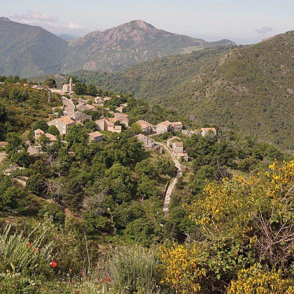 Alta Rocca1 600x600 - 10 Tage Geheimnisse: Roadtrip im Zelt durch Korsika  – Teil 2