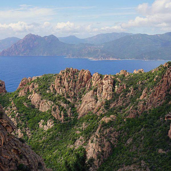 Calanche3 600x600 - 10 Tage Geheimnisse: Roadtrip im Zelt durch Korsika  – Teil 1