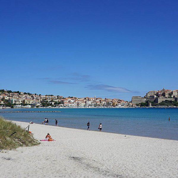 Calvi1 600x600 - 10 Tage Geheimnisse: Roadtrip im Zelt durch Korsika  – Teil 1