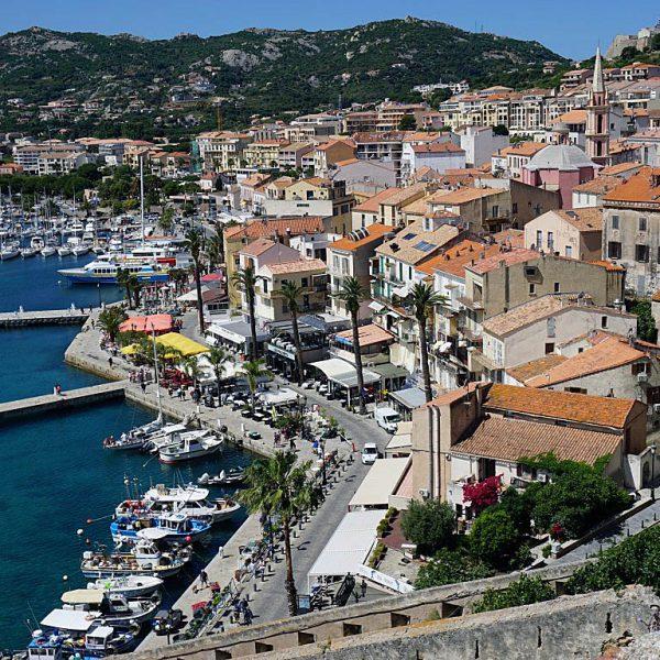 Calvi4 600x600 - 10 Tage Geheimnisse: Roadtrip im Zelt durch Korsika  – Teil 1