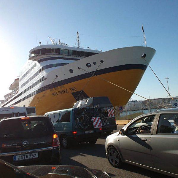 Corsica Ferries2 600x600 - 10 Tage Geheimnisse: Roadtrip im Zelt durch Korsika  – Teil 1