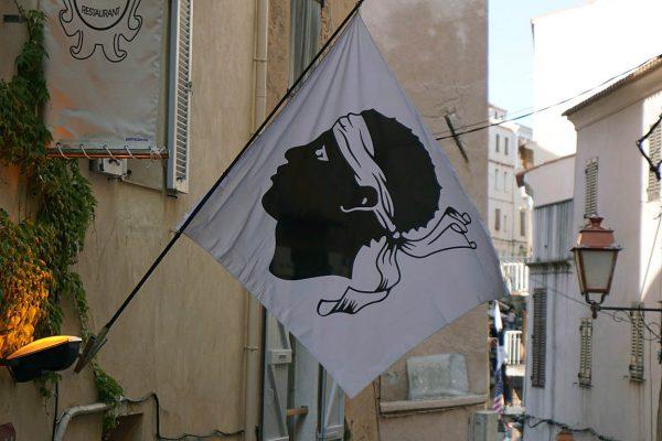 Deckblatt 600x400 - 10 Tage Geheimnisse: Roadtrip im Zelt durch Korsika  – Teil 1