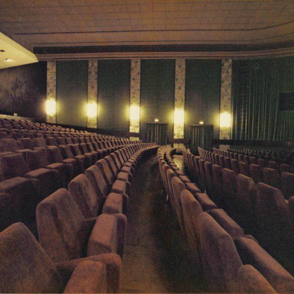 Kino Residenz Moers Seite 12 600x600 - Bye Bye Rummel: Der Wohnwagen der Extraklasse