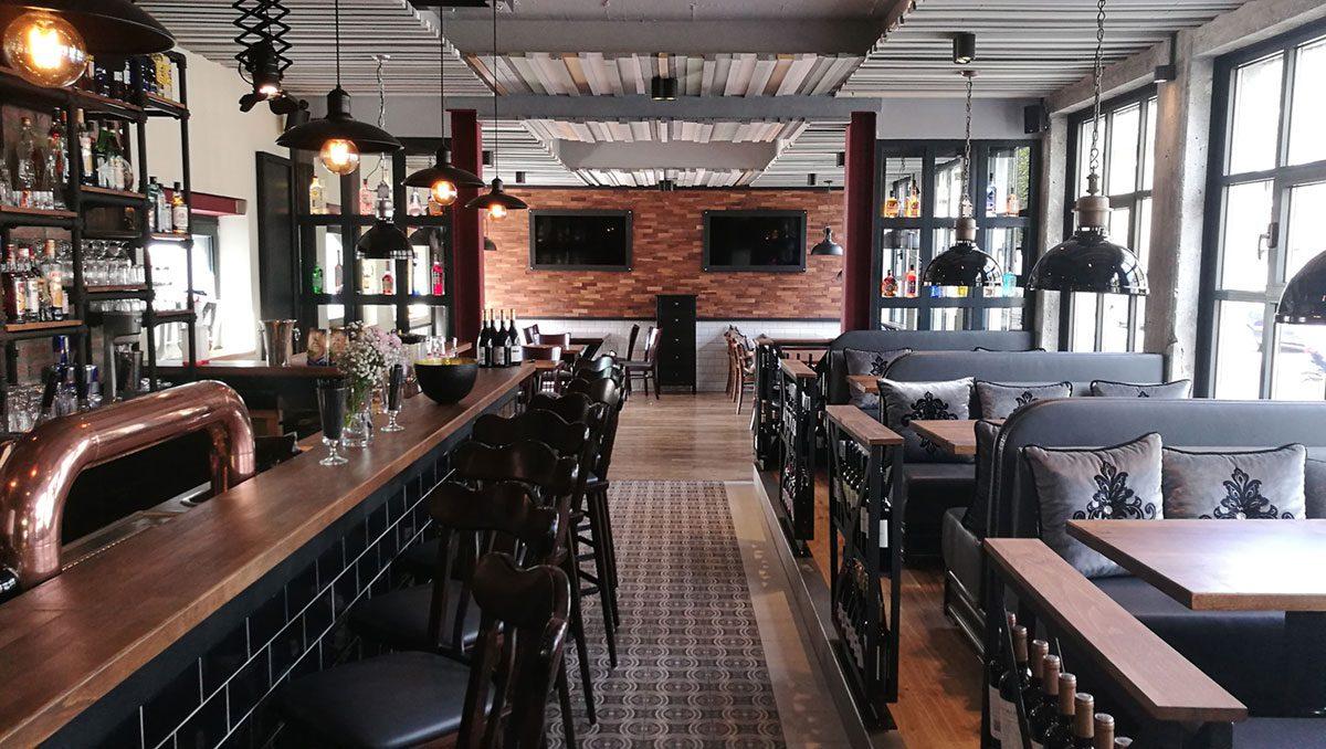 DIVA 'tische Bar: Drinks, Rotwein, Burger oder Steak